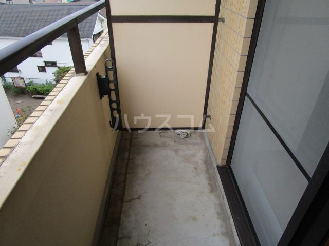 クリエイト国分寺 302号室のバルコニー