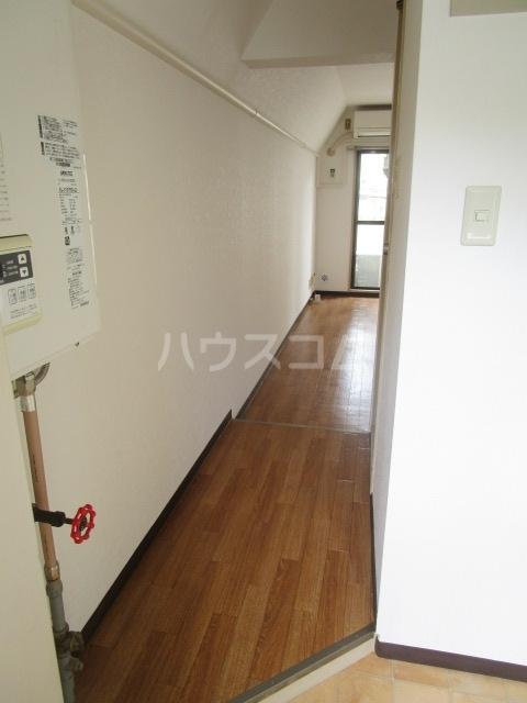 シャローム国分寺 307号室の玄関