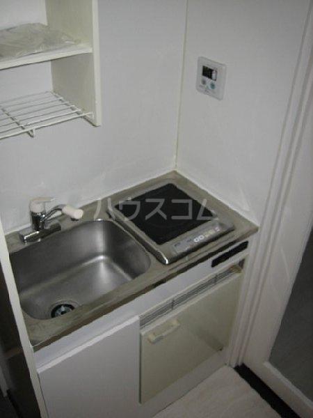 アクシス金城町 301号室のキッチン