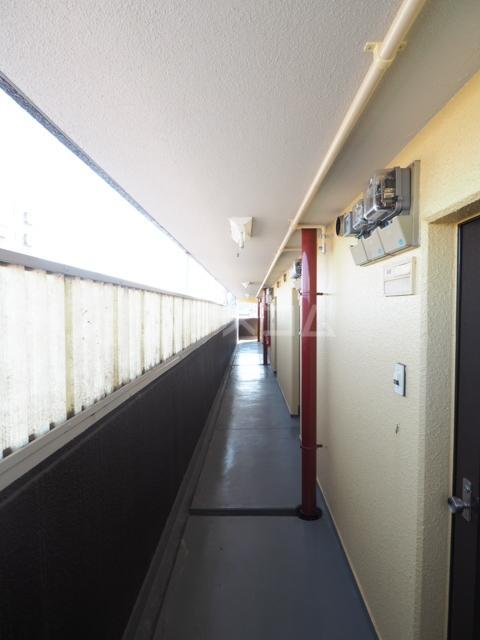 プレズ志賀公園 4B号室のバルコニー