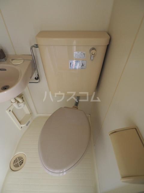 プレズ志賀公園 4B号室のトイレ
