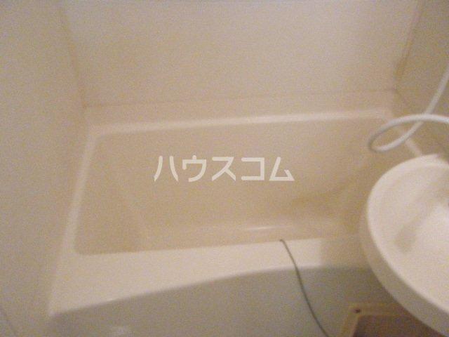 ジュネスB 203号室の風呂