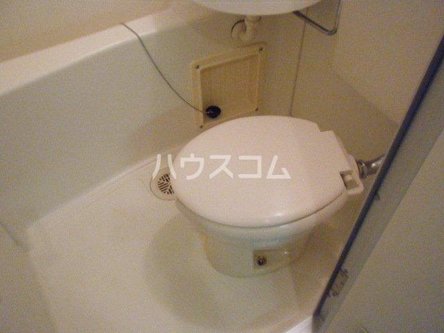 ジュネスB 203号室のトイレ
