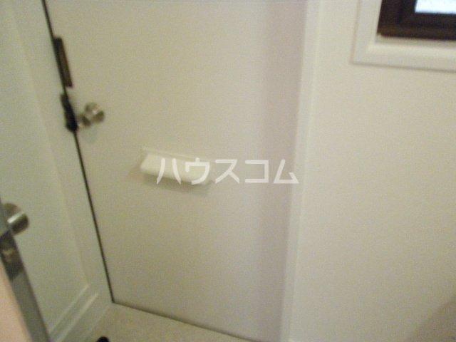 ジュネスB 203号室の玄関