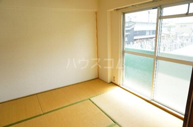 メゾンSⅡ 2C号室の居室