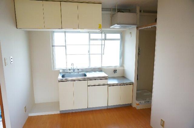 メゾンSⅡ 2C号室のキッチン