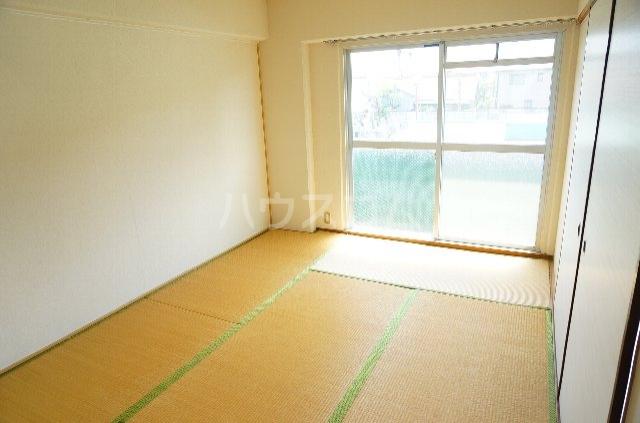 メゾンSⅡ 2C号室のベッドルーム