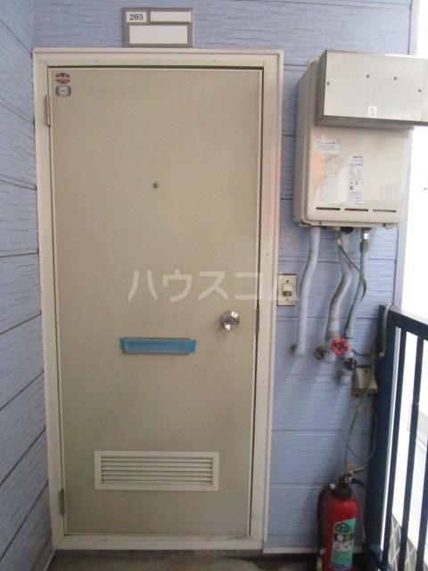 コーポ井口 205号室の玄関