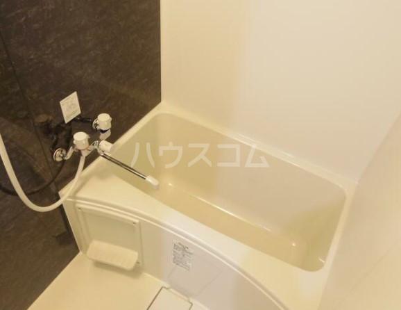 グラム港南 201号室の風呂