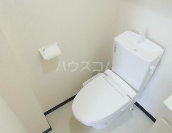 グラム港南 201号室のトイレ