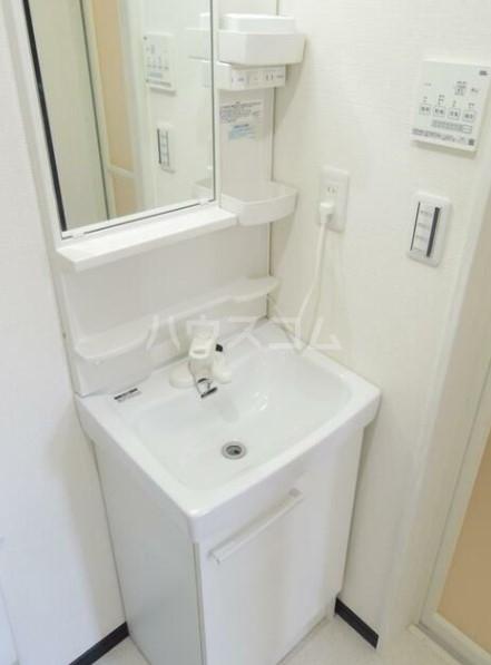 グラム港南 201号室の洗面所