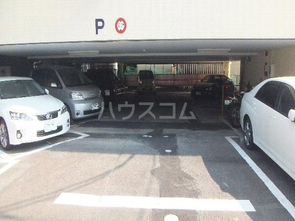 新清洲クラウンビル 201号室の駐車場
