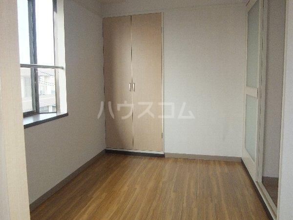 新清洲クラウンビル 401号室のベッドルーム