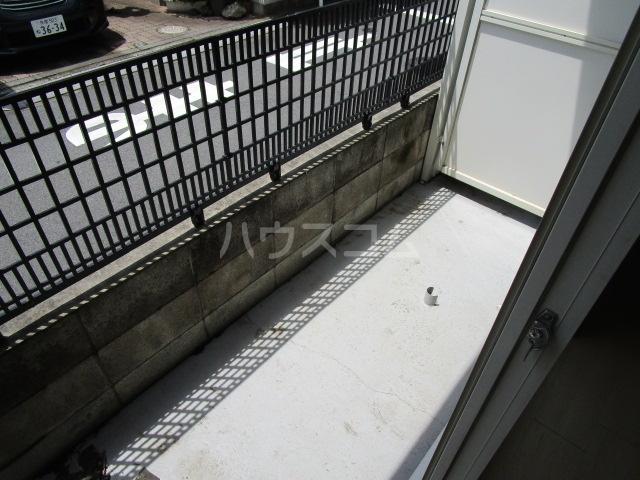 エスタ国分寺弐番館 103号室のバルコニー