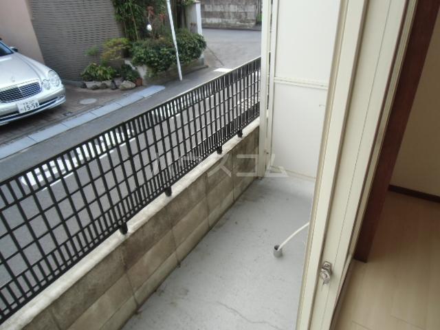 エスタ国分寺弐番館 105号室のバルコニー