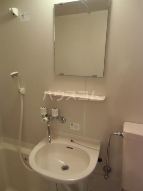 エスタ国分寺弐番館 105号室の洗面所