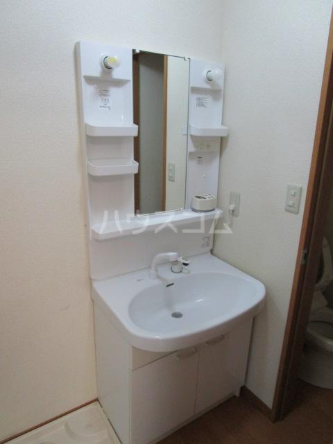 ベーネ8 105号室の洗面所