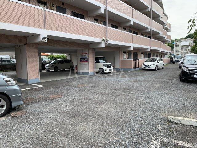 YMDⅢマンション 407号室の駐車場
