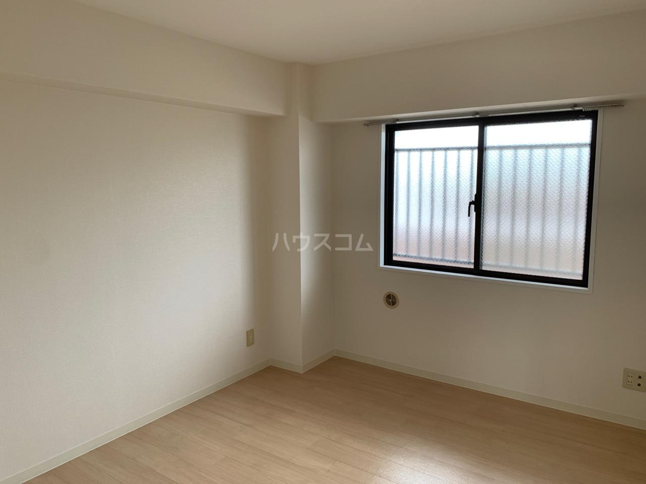YMDⅢマンション 407号室の居室