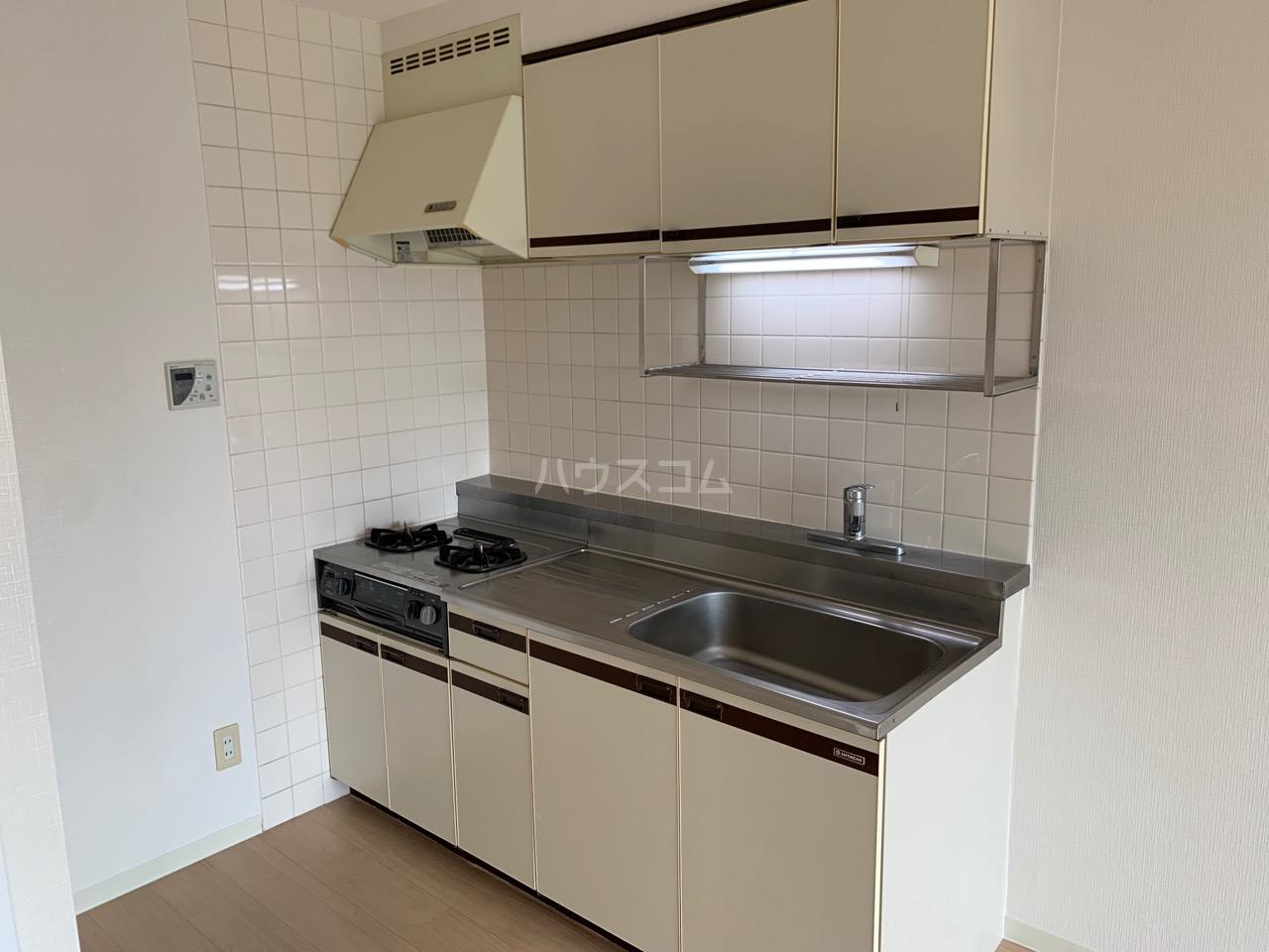 YMDⅢマンション 407号室のキッチン