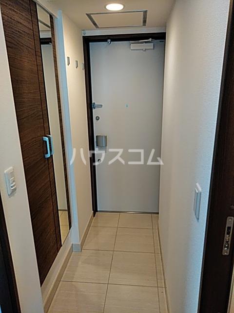 LIBRGRANT世田谷弦巻 401号室の玄関