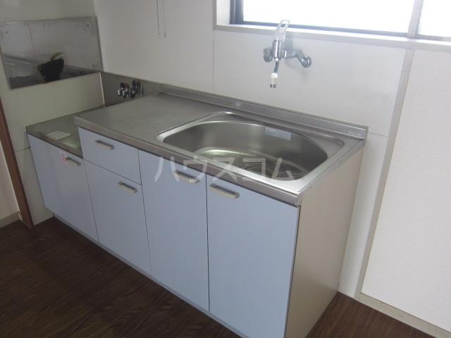 グリンパーク清水 202号室のキッチン