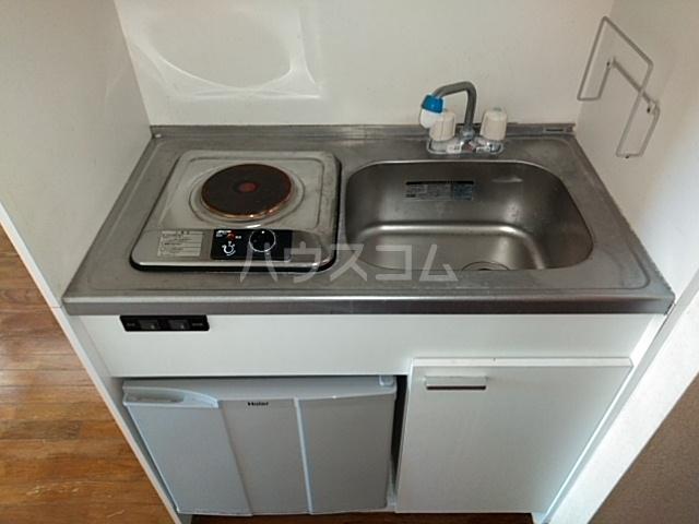 メゾンウィング 202号室のキッチン