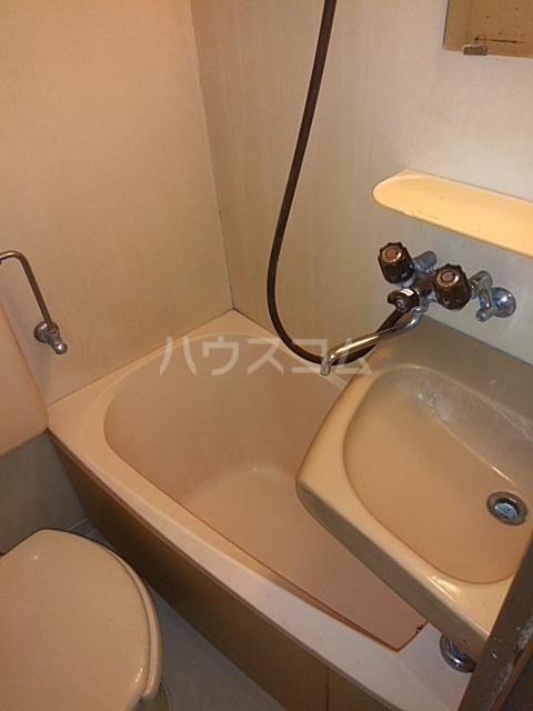 メゾンウィング 202号室の風呂