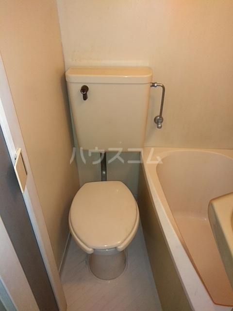 メゾンウィング 202号室のトイレ