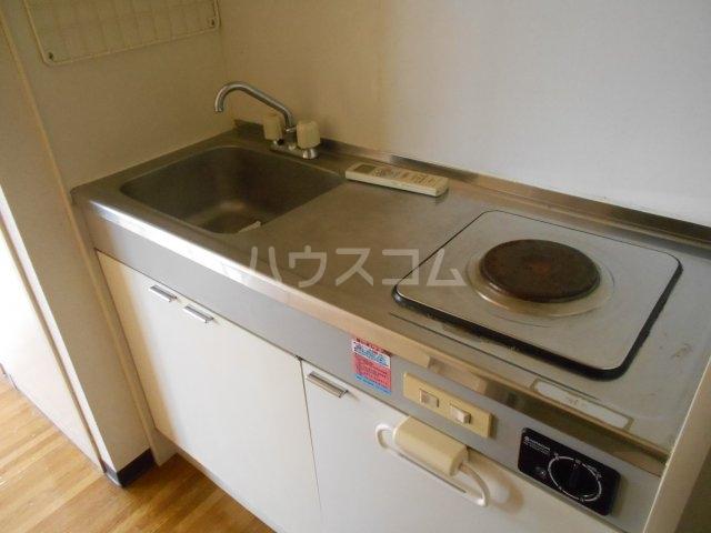 モード青木ビル 302号室のキッチン