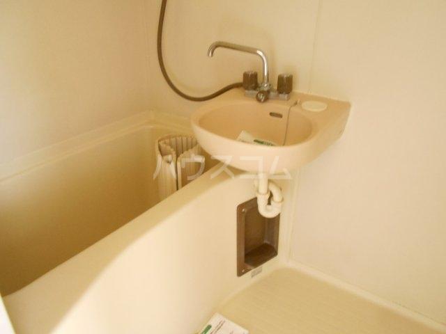 モード青木ビル 302号室の風呂