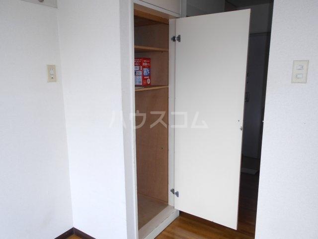 モード青木ビル 302号室の収納