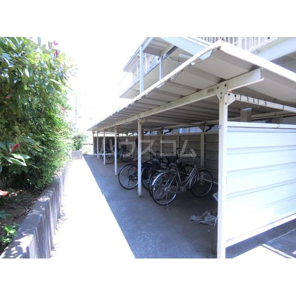 ハイツ小野路 205号室の駐車場