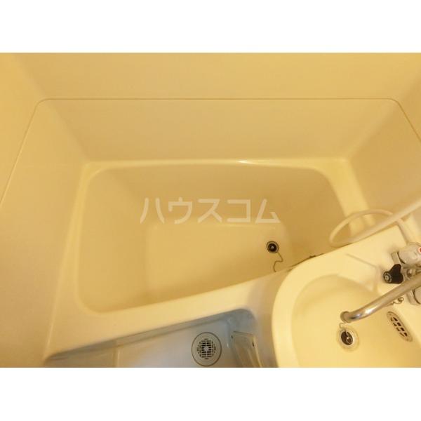 ハイツ小野路 205号室の風呂