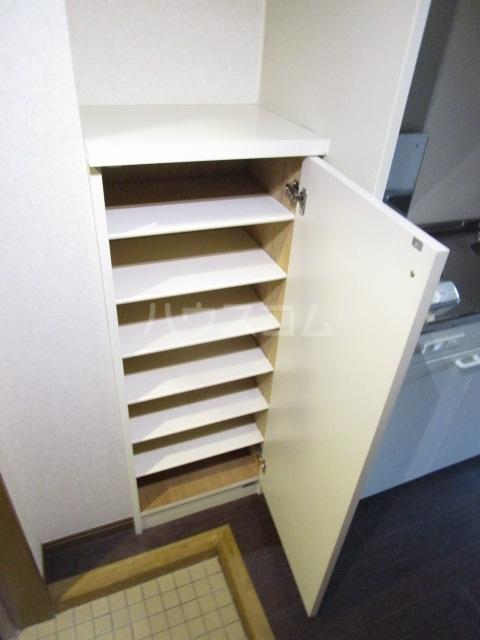第6千代鶴ビル 206号室の収納