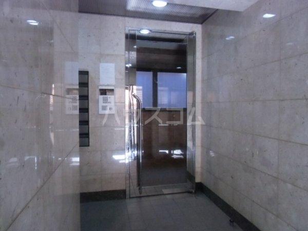 第6千代鶴ビル 306号室のエントランス