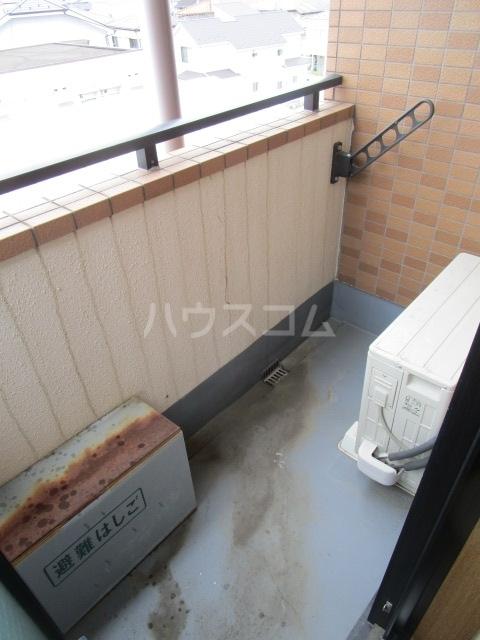 第6千代鶴ビル 306号室のバルコニー
