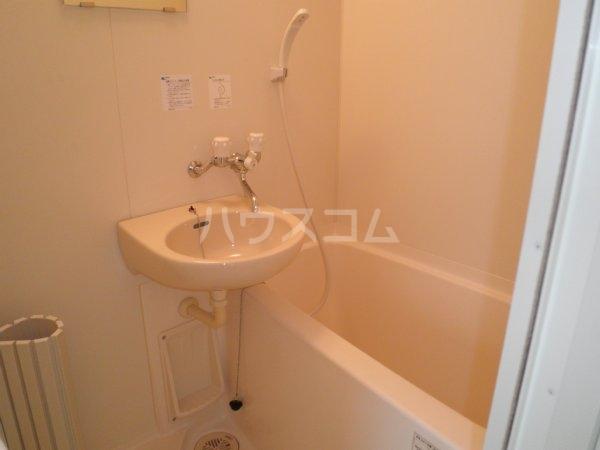 第6千代鶴ビル 306号室の風呂