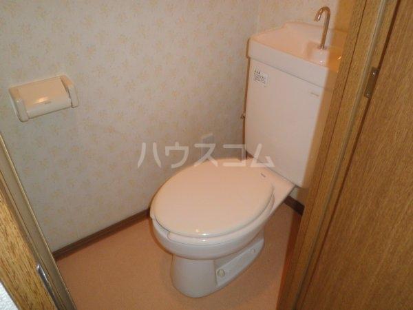 第6千代鶴ビル 306号室のトイレ