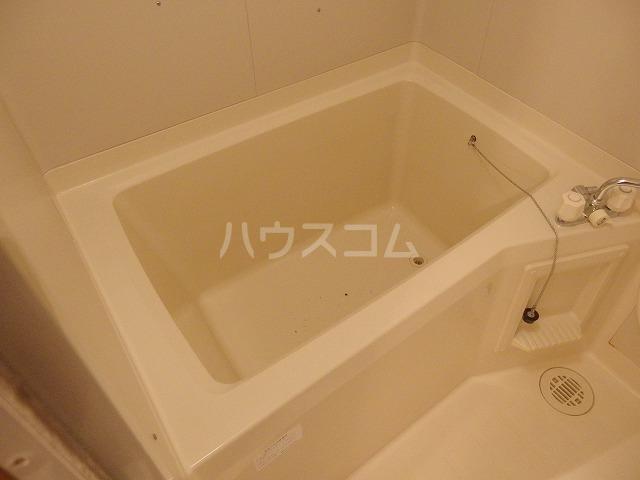 ガーデンスクエア 503号室の風呂