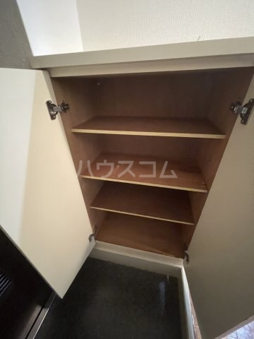 アメニティ泉 7A号室の収納