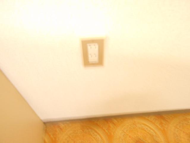 サンハイツ越野 206号室の居室