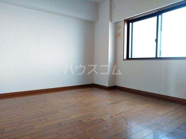 ローズガーデン行徳フィネス 705号室の居室