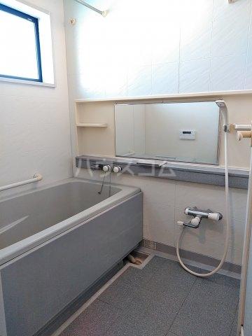 ローズガーデン行徳フィネス 705号室の風呂