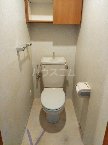 ローズガーデン行徳フィネス 705号室のトイレ