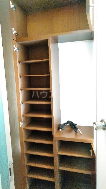 エムシーハイツ 105号室の収納
