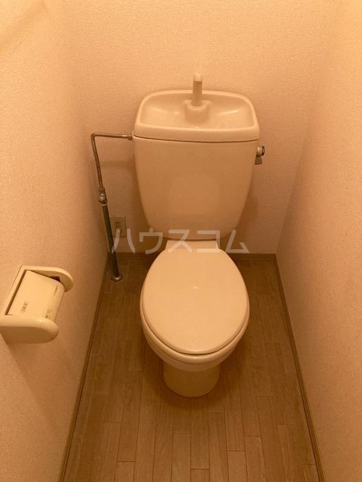 サンガーデン南四日市 101号室のトイレ