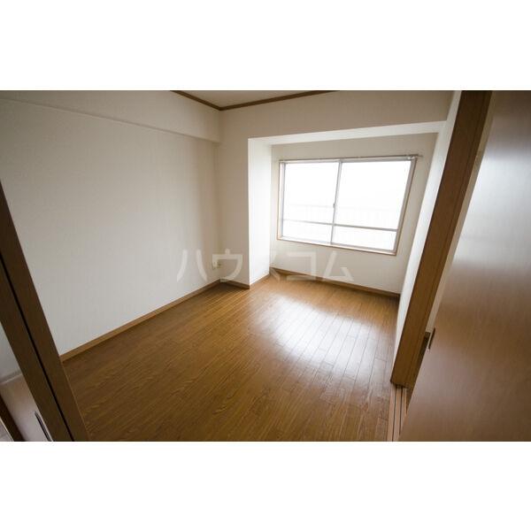 やなせハイツ 401号室のベッドルーム