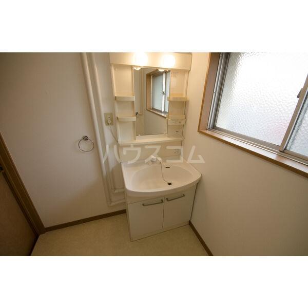 やなせハイツ 401号室の洗面所