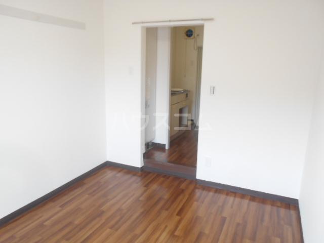 ストークレジデンス・ナカザワ 111号室の居室